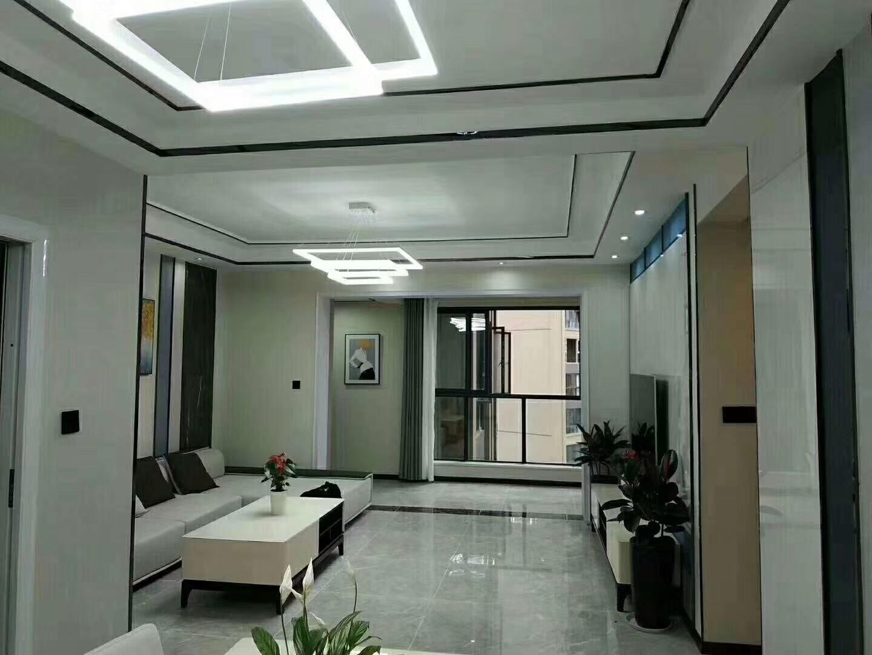 路易大地新房新装3室 2厅 2卫115万元