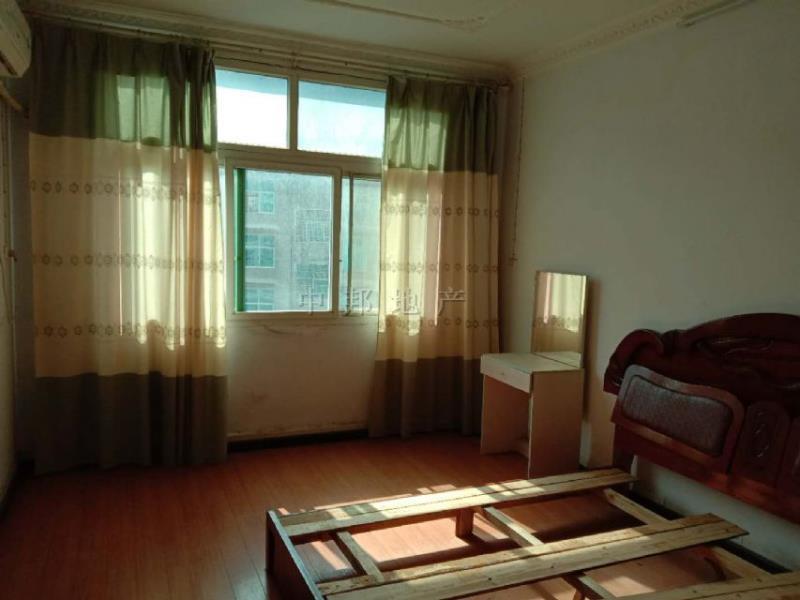 桃花園小區3室 2廳 2衛51.8萬元