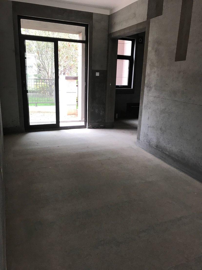 建业城3室 2厅 1卫72万元
