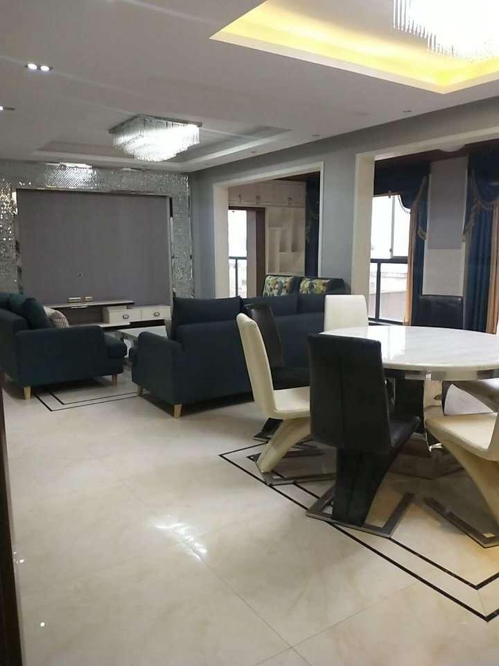 江语长滩4室2厅2卫豪装正临江靠音乐喷泉128万
