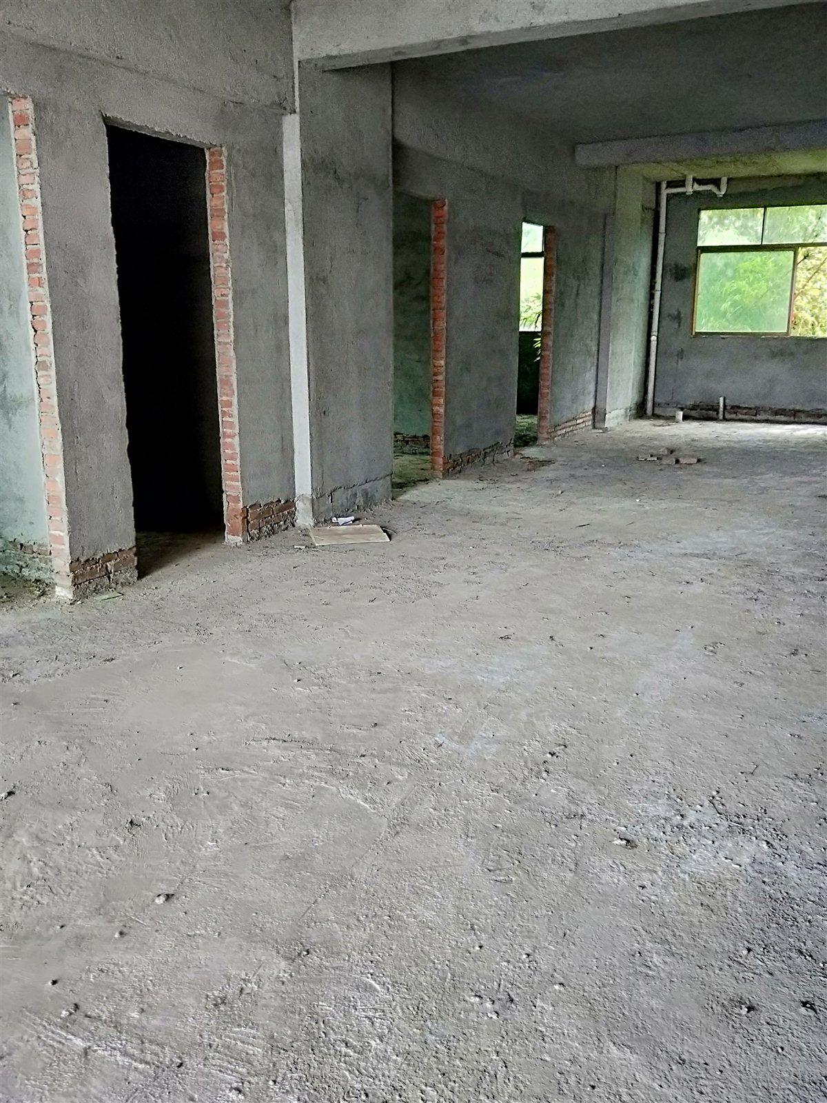 攔河壩5室 2廳 2衛32萬元