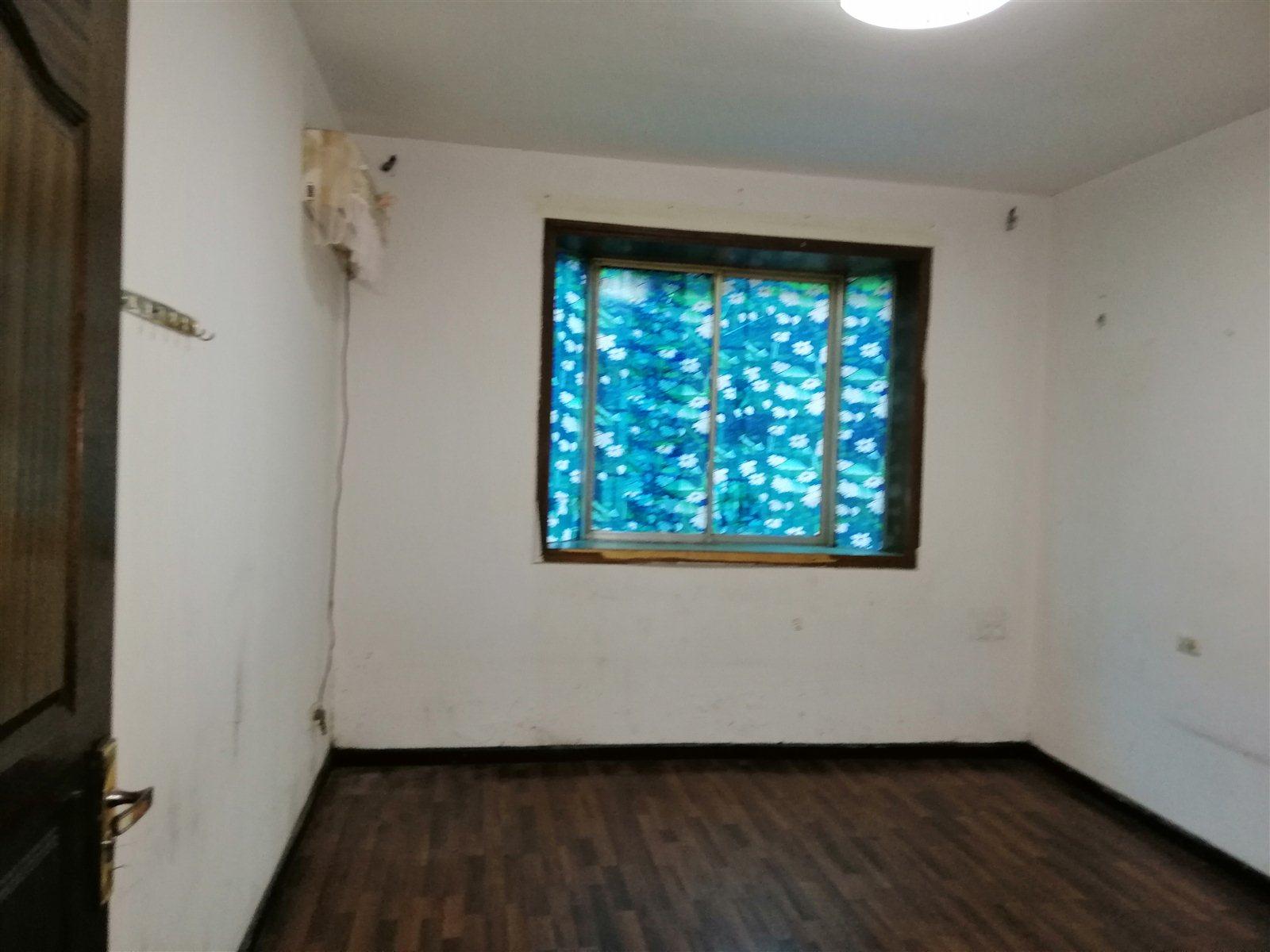金都花園3室 2廳 2衛52.8萬元