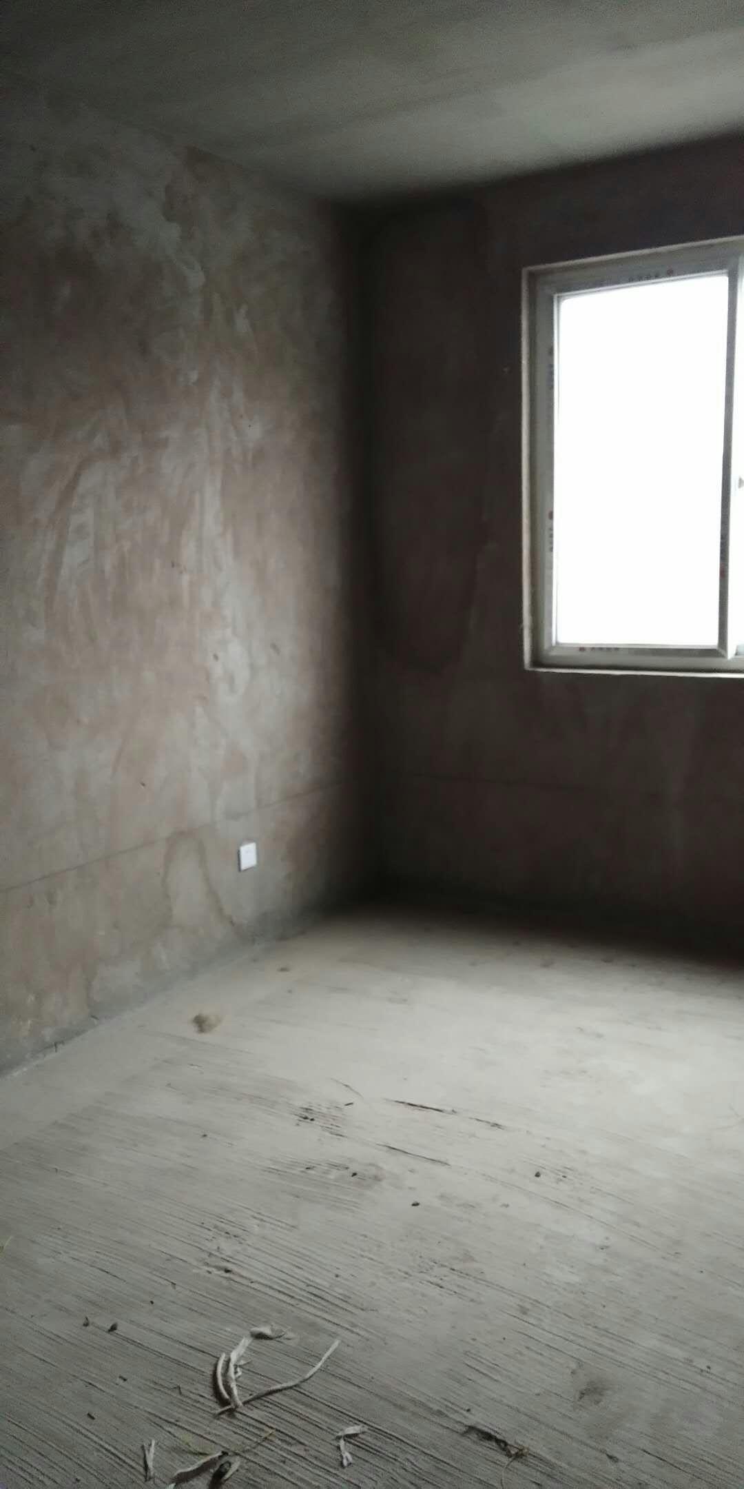 政泰苑3室 2厅 2卫66万元