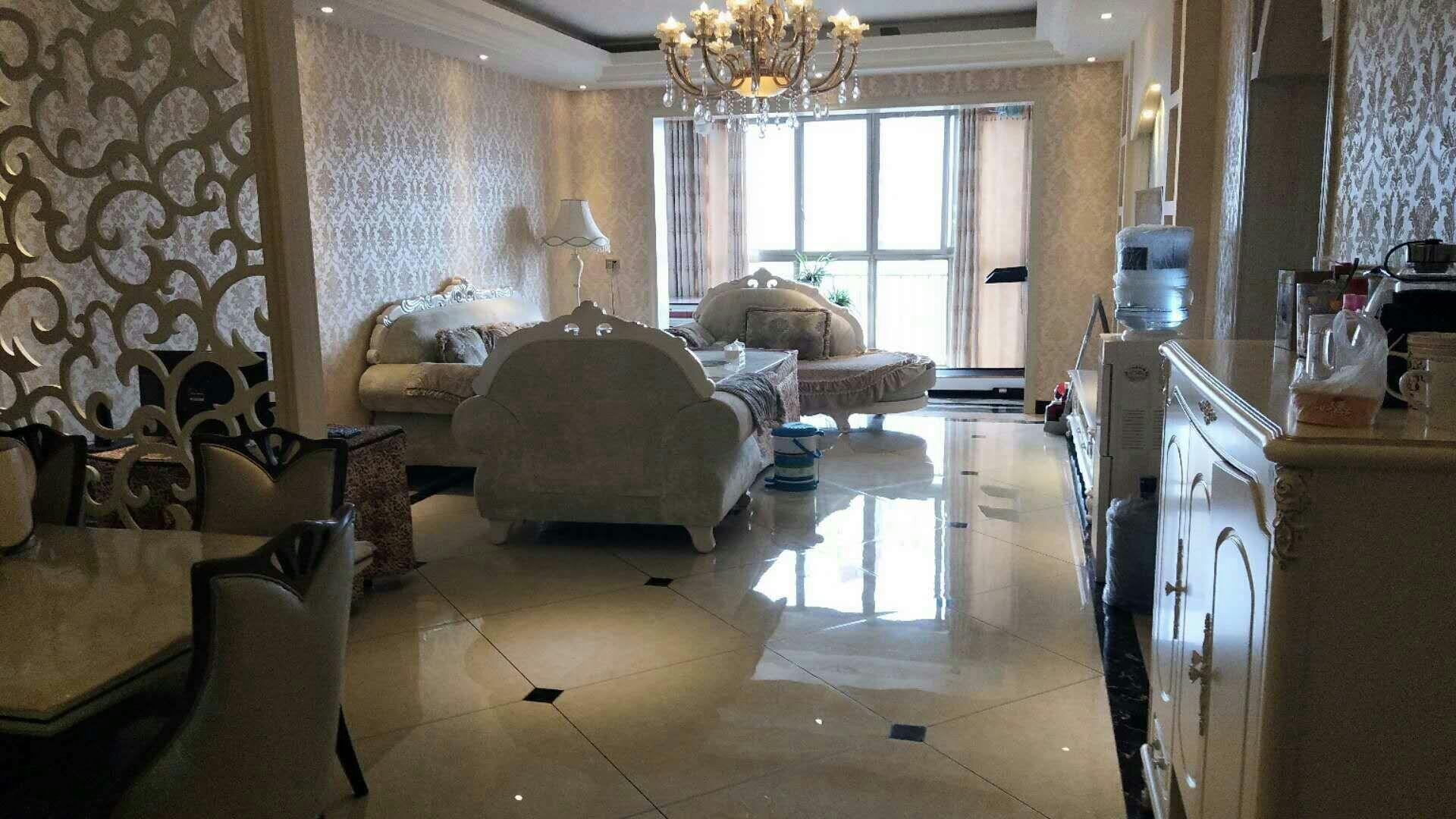 乾辰大厦3室 2厅 2卫81.8万元