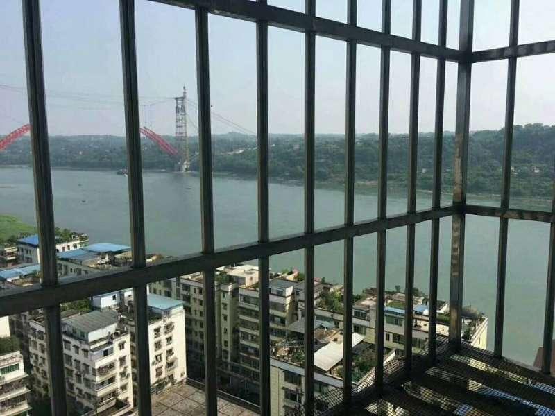 江畔明珠2O楼大2室 2厅 2卫49.8万元