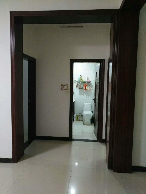 南韩花园3室 1厅 1卫48.5万元
