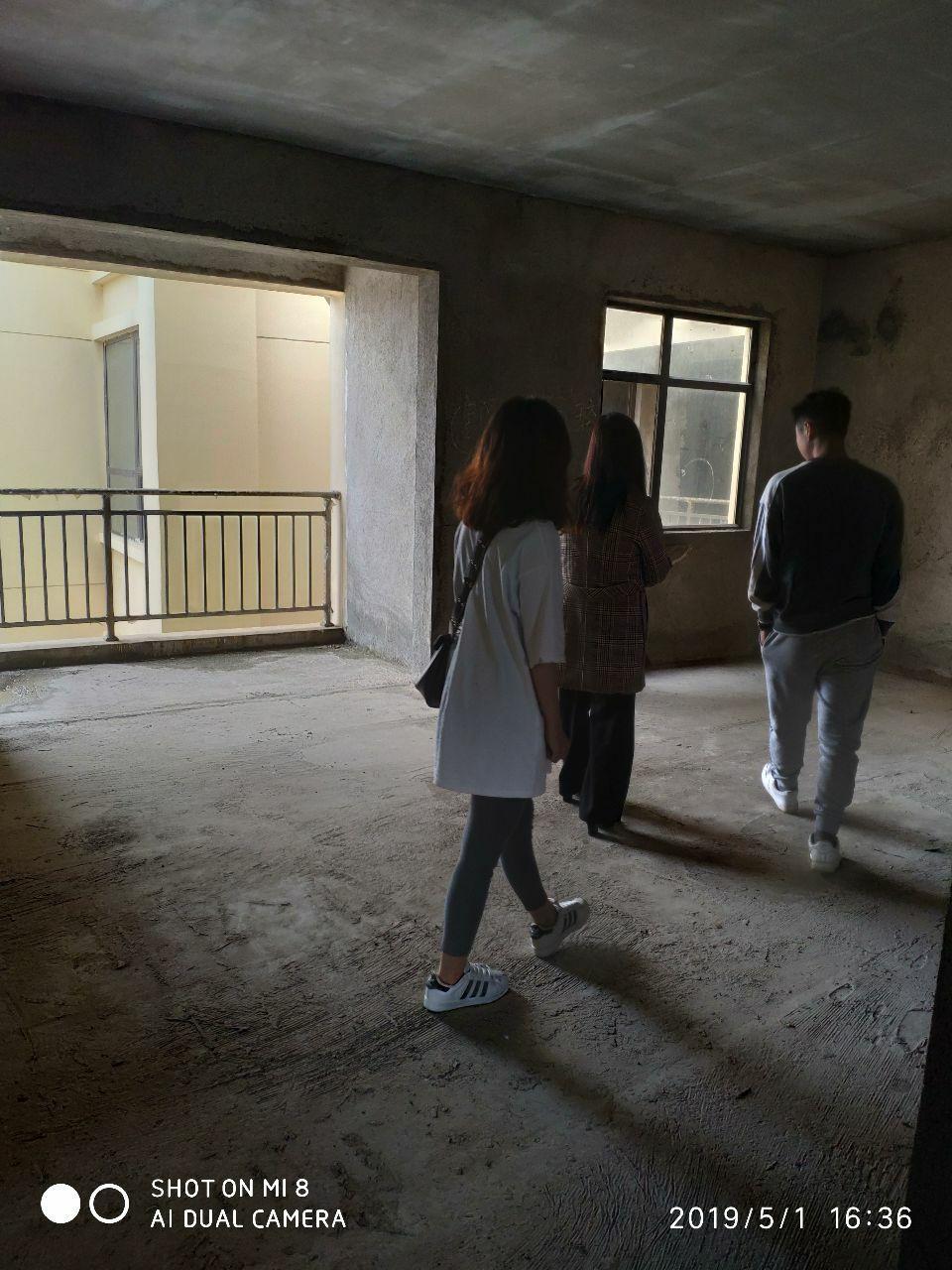 大都会3室 2厅 2卫60.8万元黄金楼层15楼