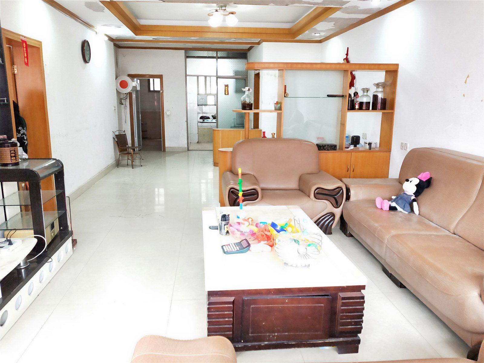 实验小学附近3室 2厅 2卫带车库85万元
