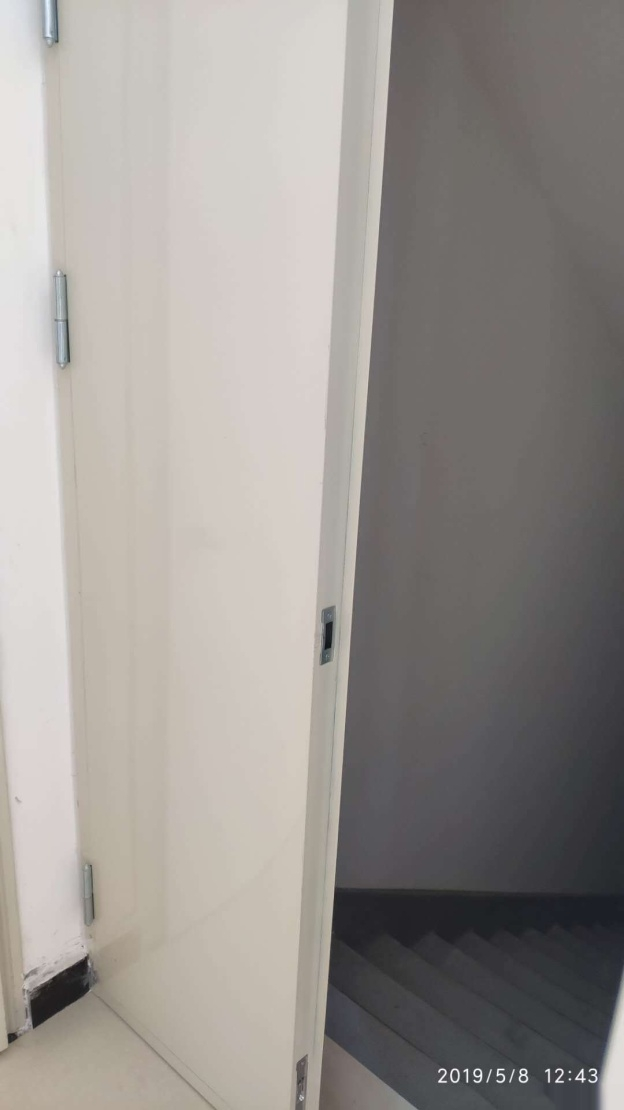 新二中学区电梯房有证可按揭65万元