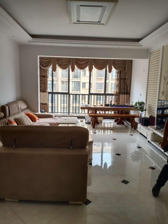 龙湖壹号4室 2厅 2卫55万元