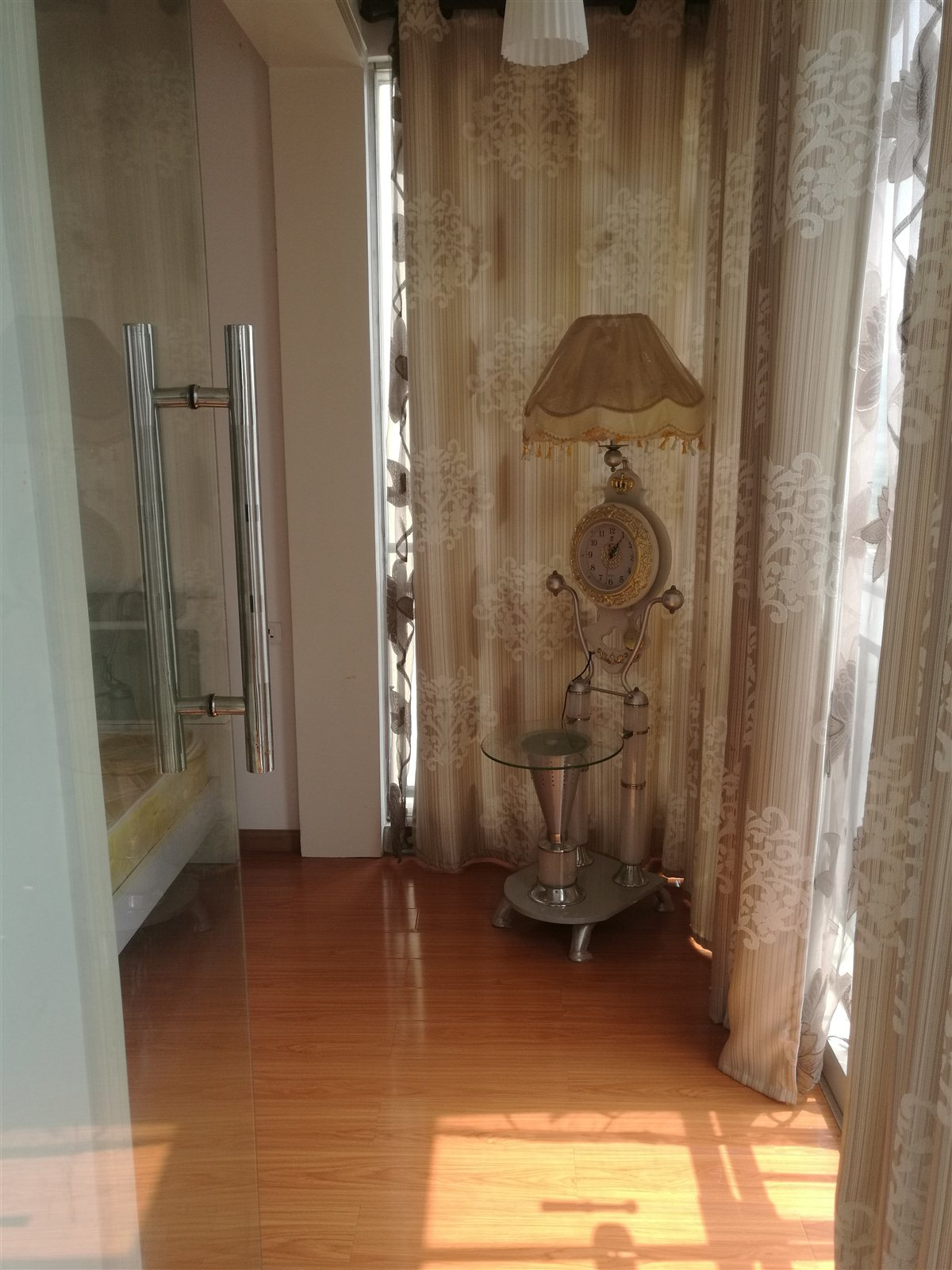 路发枫林绿洲3室 2厅 1卫56.8万元