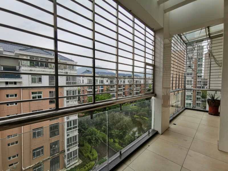 世紀豪庭4室 2廳 2衛188萬元