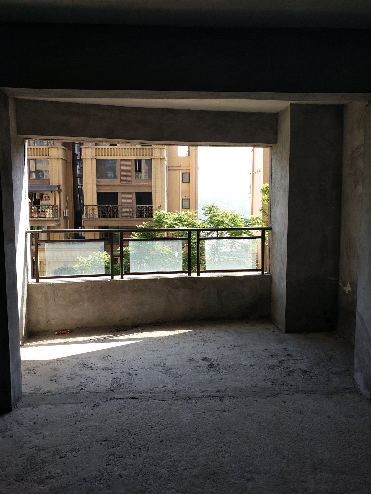 江语长滩美岸、3室 2厅 2卫82.8万元