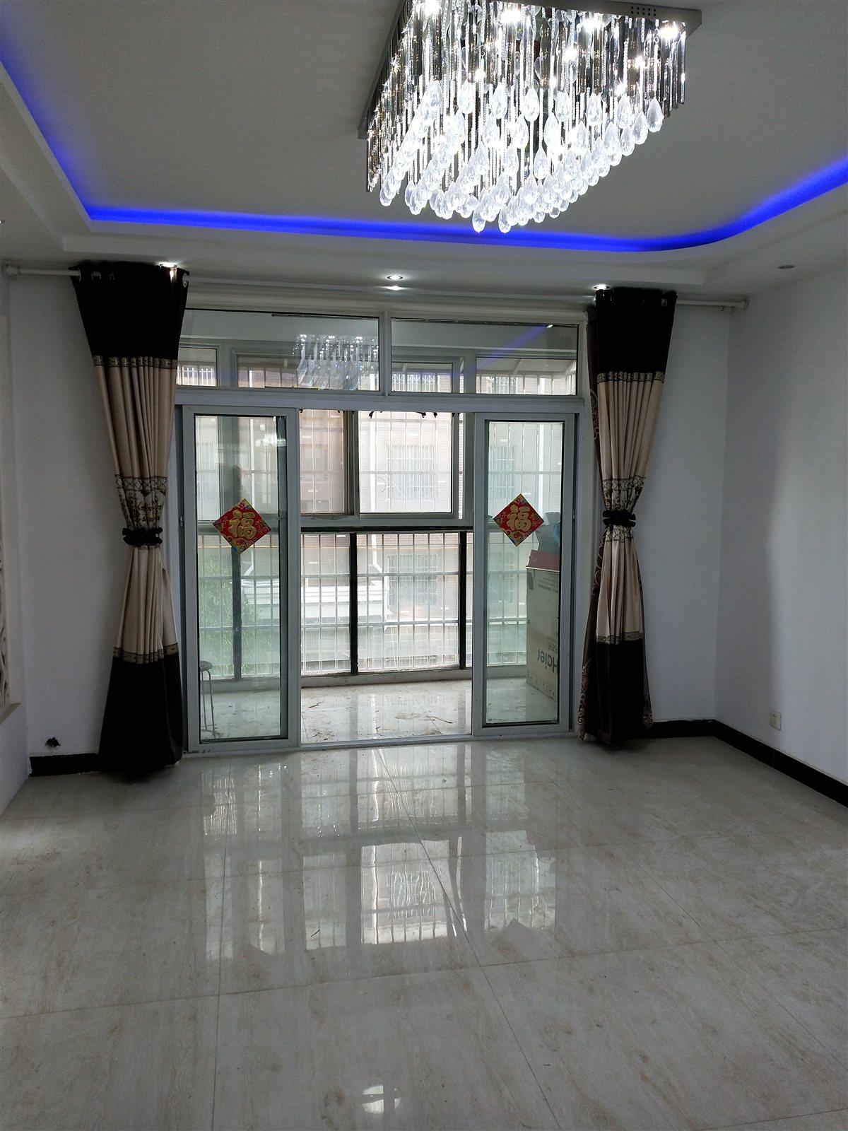 俪景湾3室 2厅 2卫53万元