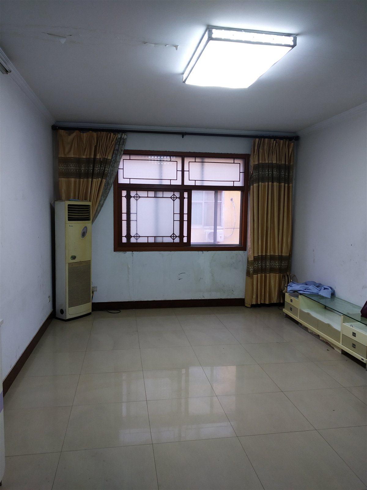 众品家属院3室 2厅 2卫29.8万元