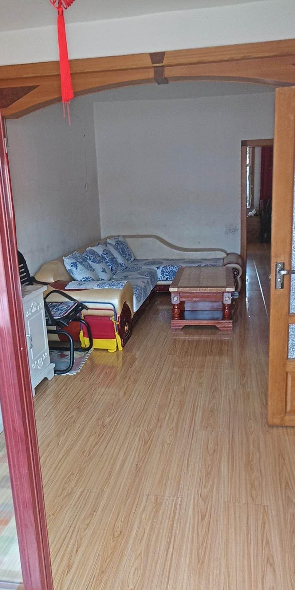 三跃小区2室 1厅 1卫46万元