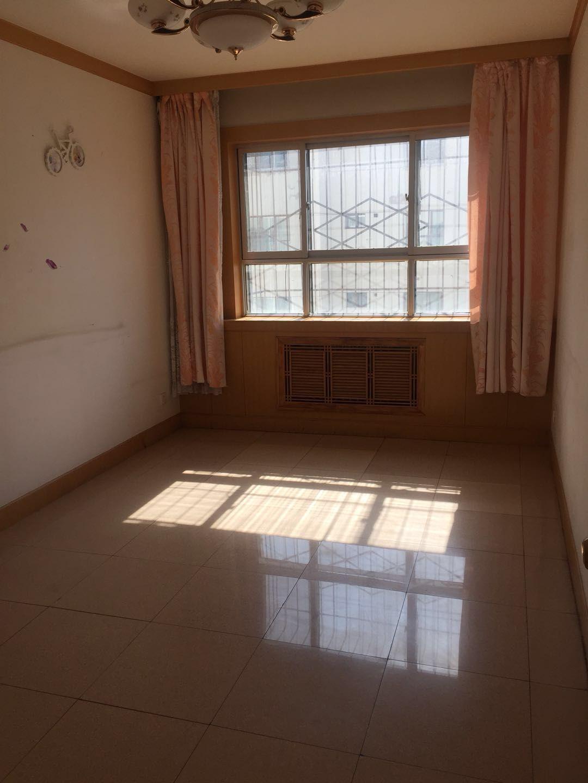愛民街3室 2廳110平米4樓低價出售