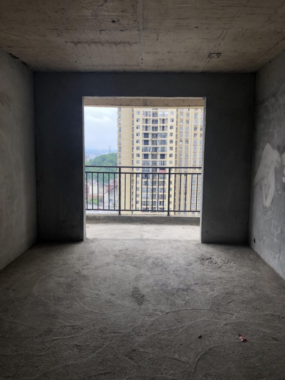 龙凤夏威夷2室 2厅 2卫45.8万元边户