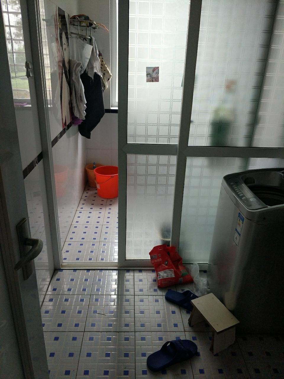 中鼎公寓【0274】C区3室 2厅 2卫72.8万元