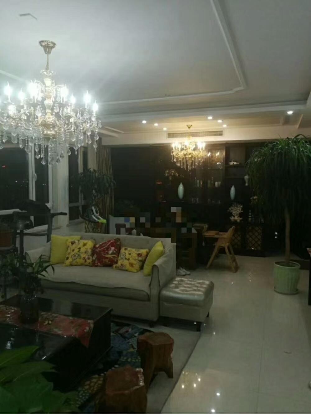 凱澤·翡翠城10樓138平精裝修帶儲藏室125萬元