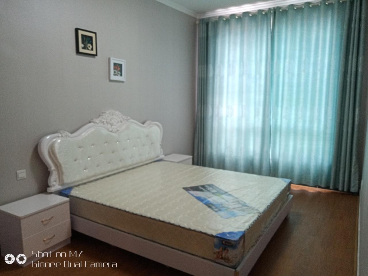 怡和苑3室3厅3卫76.8万元