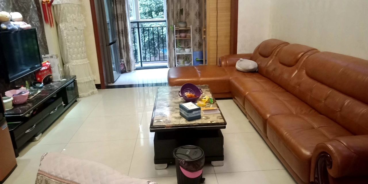 滨江花园3室 2厅 2卫73万元