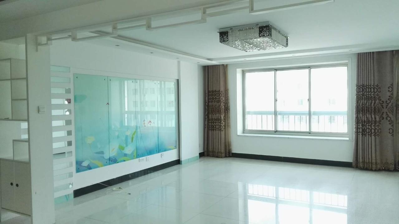 明珠家园4楼精装地暖房带30平车库