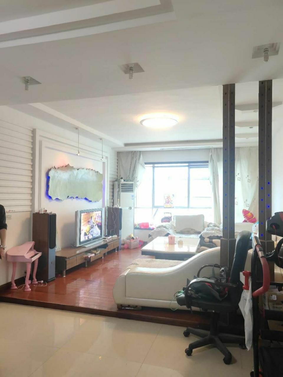 江南新居3室 2厅 2卫54.8万元