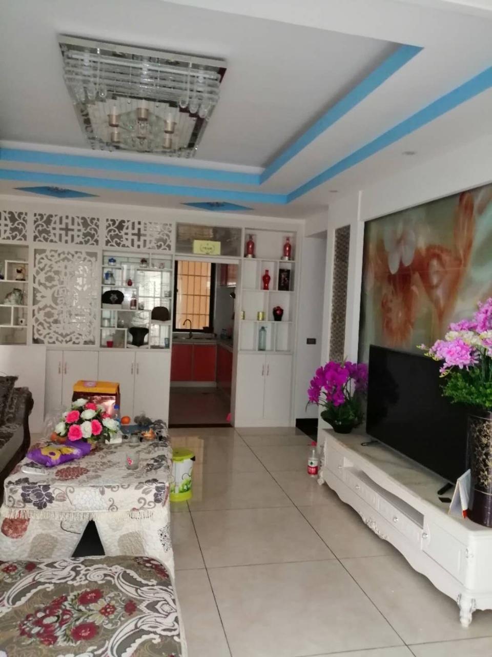 林泉辰龙花园3室 2厅 2卫68万元