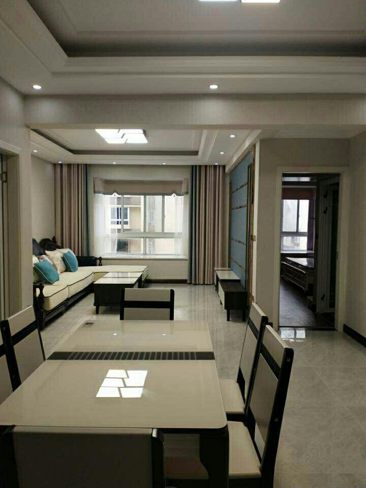 石朝门电梯房2室 1厅 1卫74.8万元
