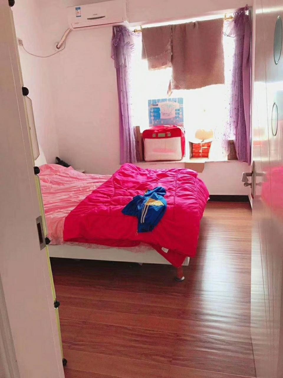 香江豪园3室 2厅 2卫53