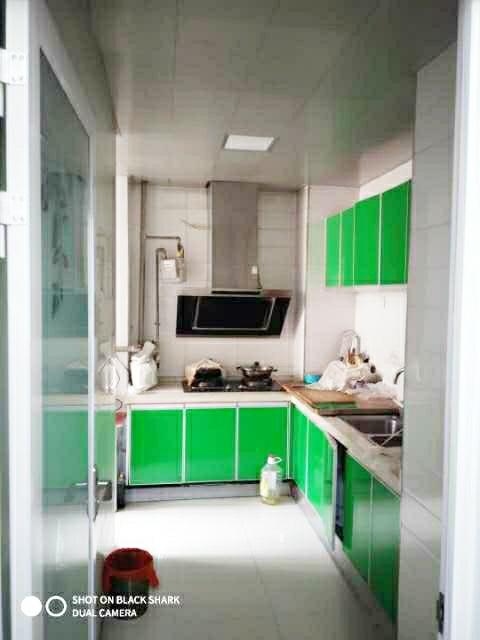 紫御台B区两室简装房出售
