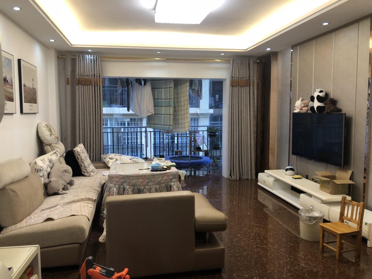 黄金水岸小区3室 2厅 2卫55万元
