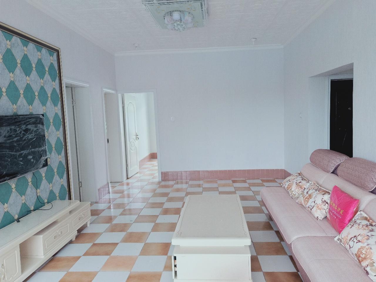 鳌峰学区房国税家属房6楼送顶楼5室 2厅 2卫47.8万元