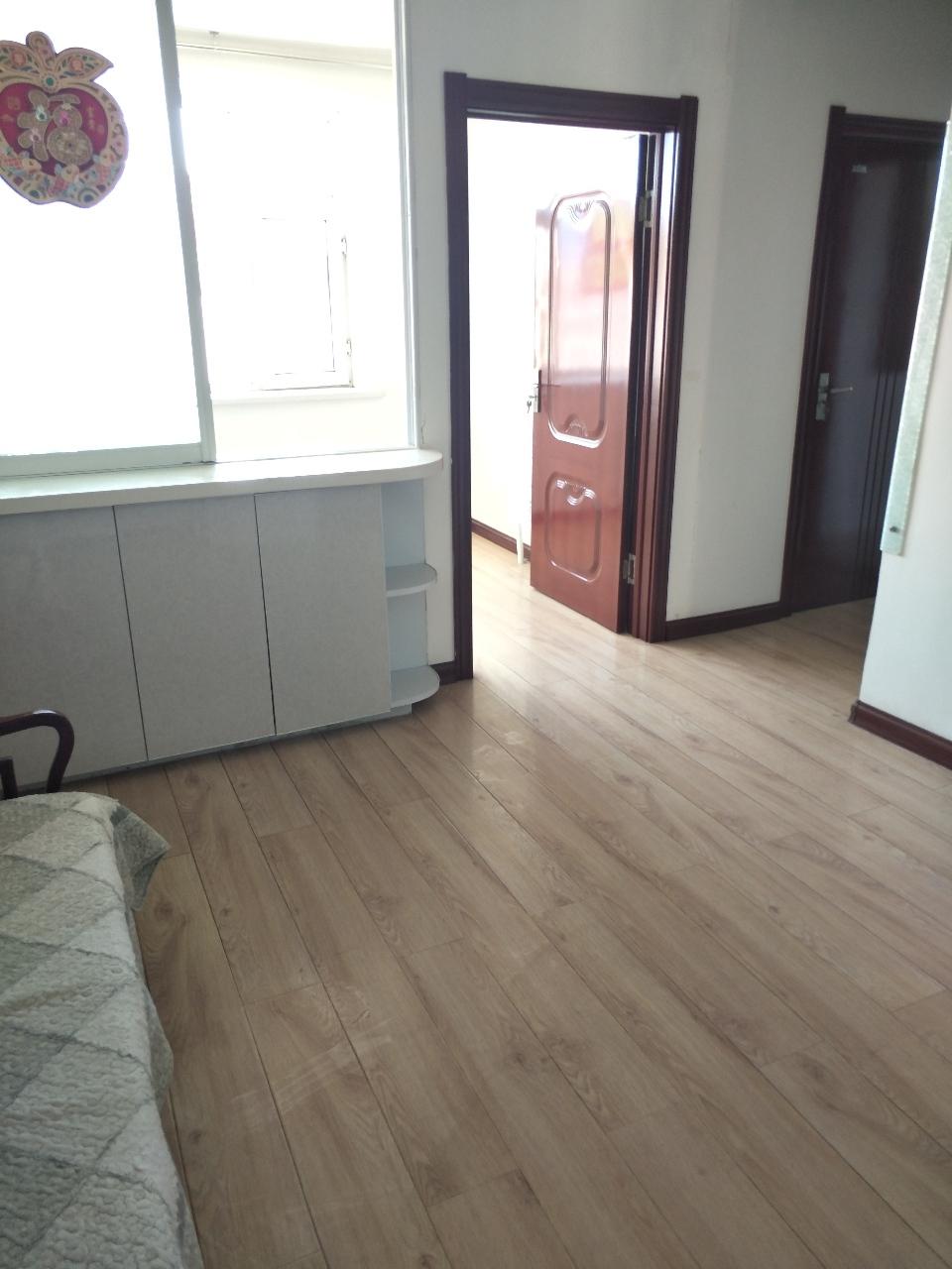 长庆新居2室 1厅 1卫15.5万元