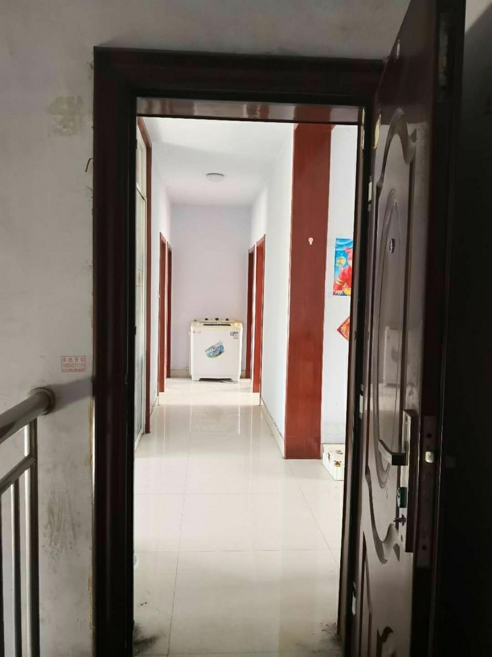帝景苑3室 1厅 1卫15万元