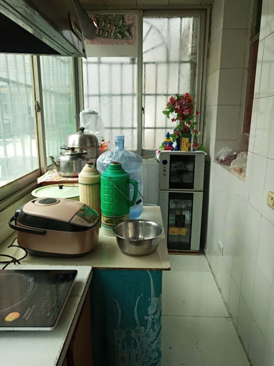 紫江花园3室 1厅 1卫68.8万元