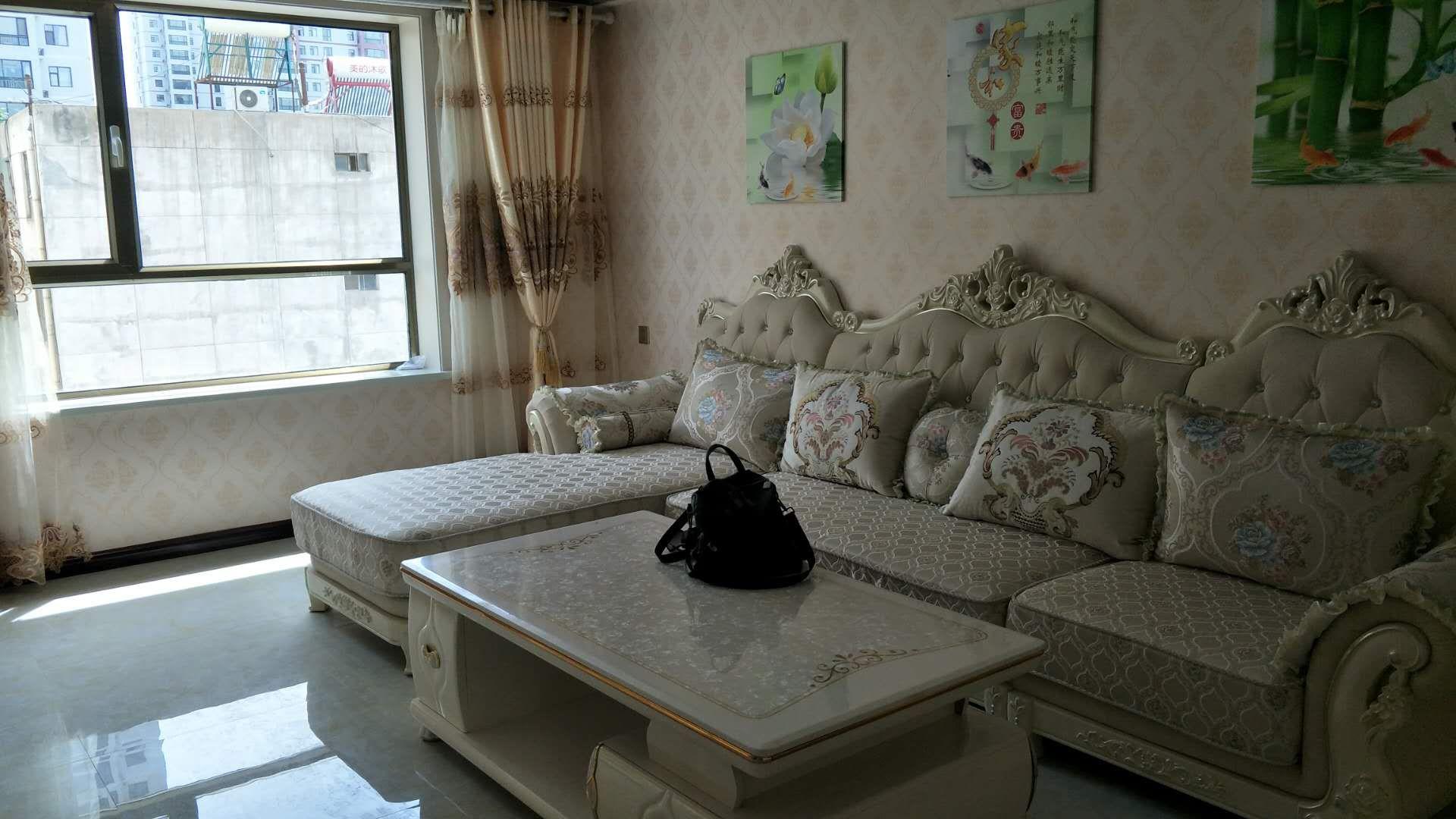 东方明都3室 2厅 1卫49.8万元