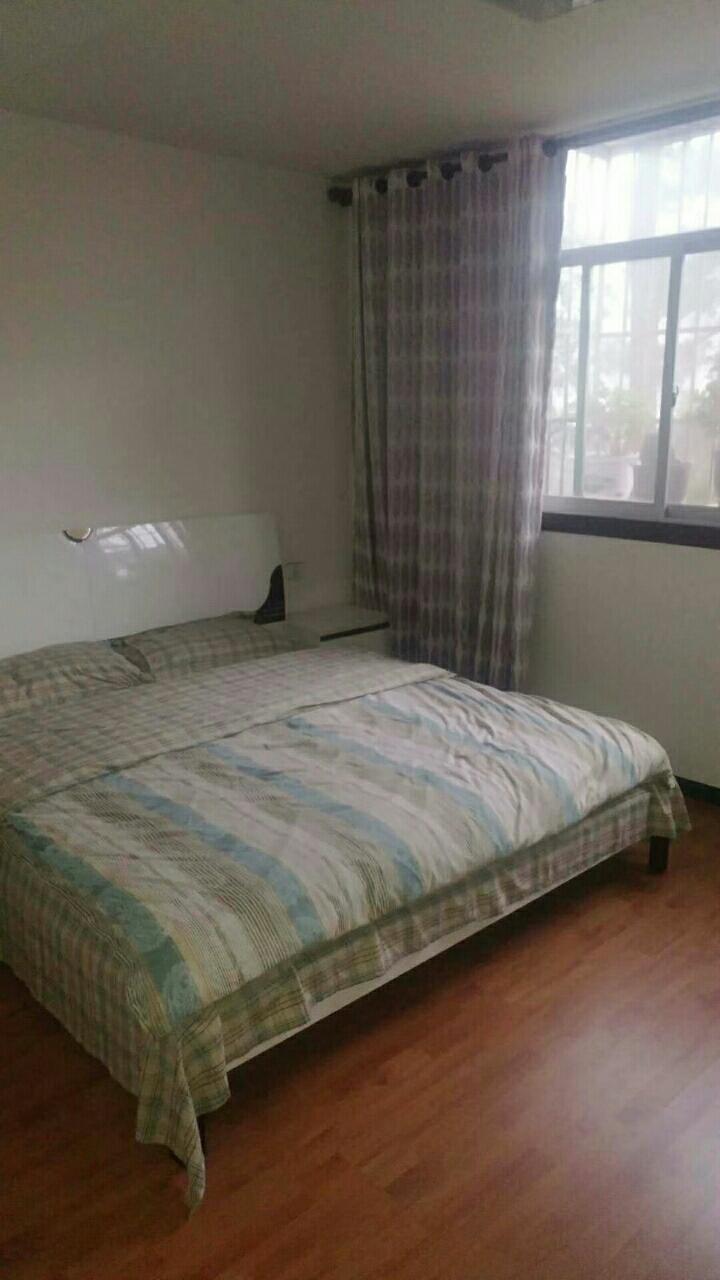 林泉辰龙花园4室 2厅 2卫40.8万元