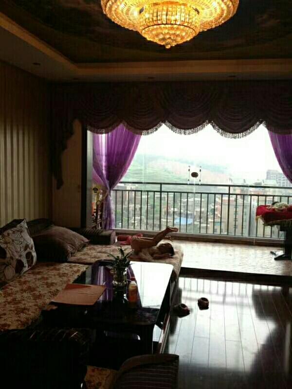 开州大厦3室 2厅 1卫76.8万元