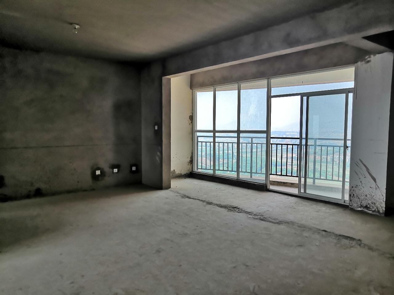 凯旋城4室 2厅 2卫48万元