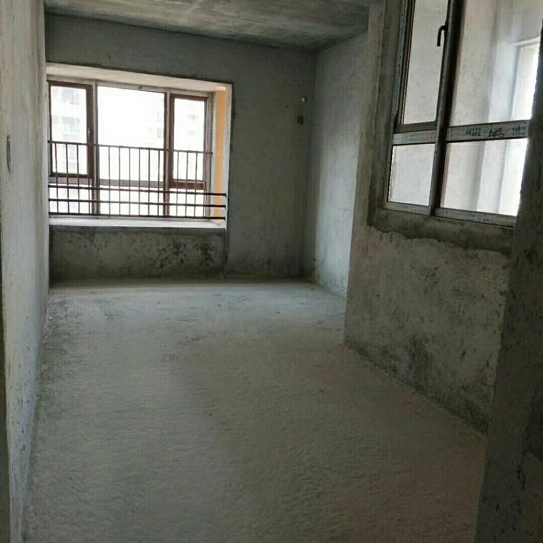学府名门3室 2厅 2卫140万元