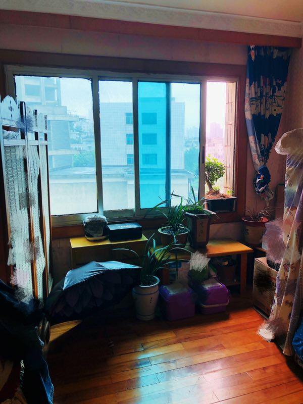 南江花园3室 1厅 1卫45.8万元