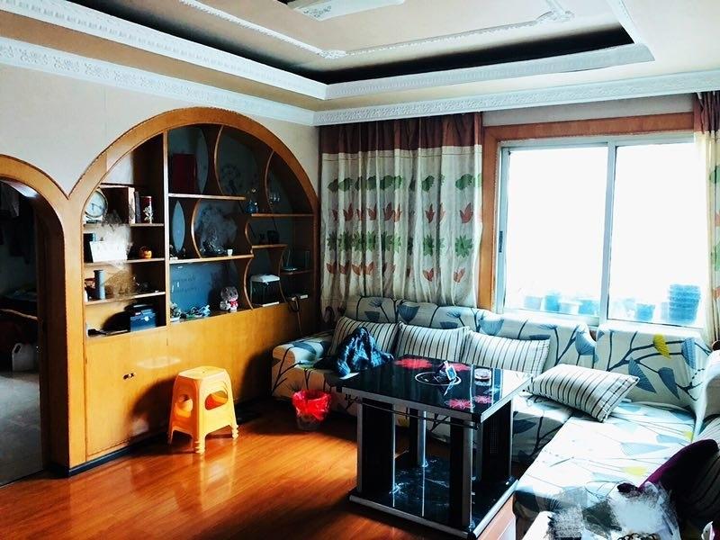 南江广场3室 2厅 1卫49.8万元