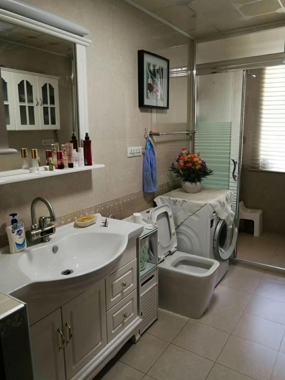 紫轩三期3室 2厅 1卫76万元