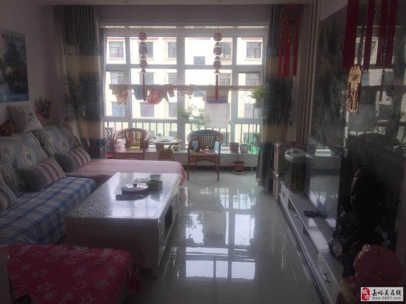 龙湖华庭2室 2厅 1卫39万元