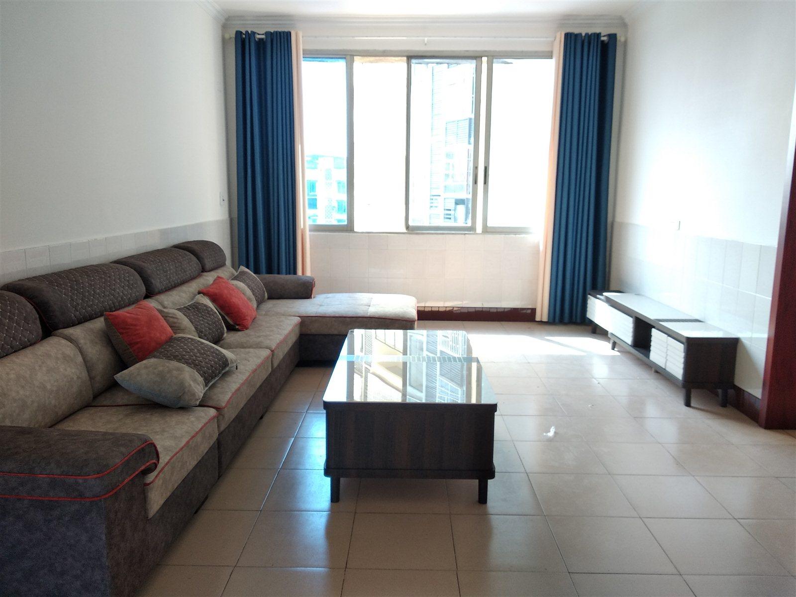 香樟林大户型3室 2厅 2卫45.8万元