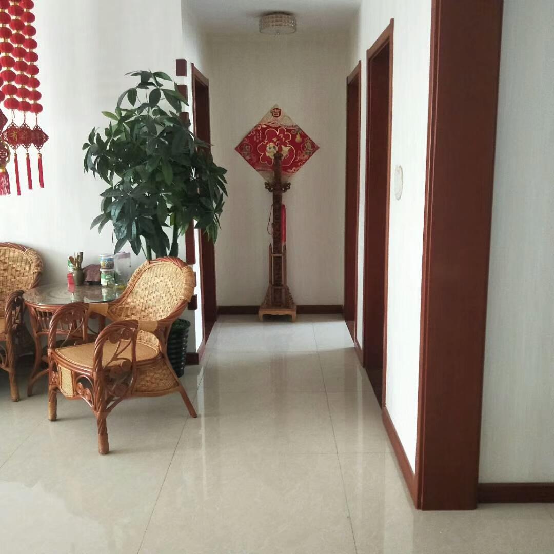 渤海锦绣城3室 2厅 2卫145万元