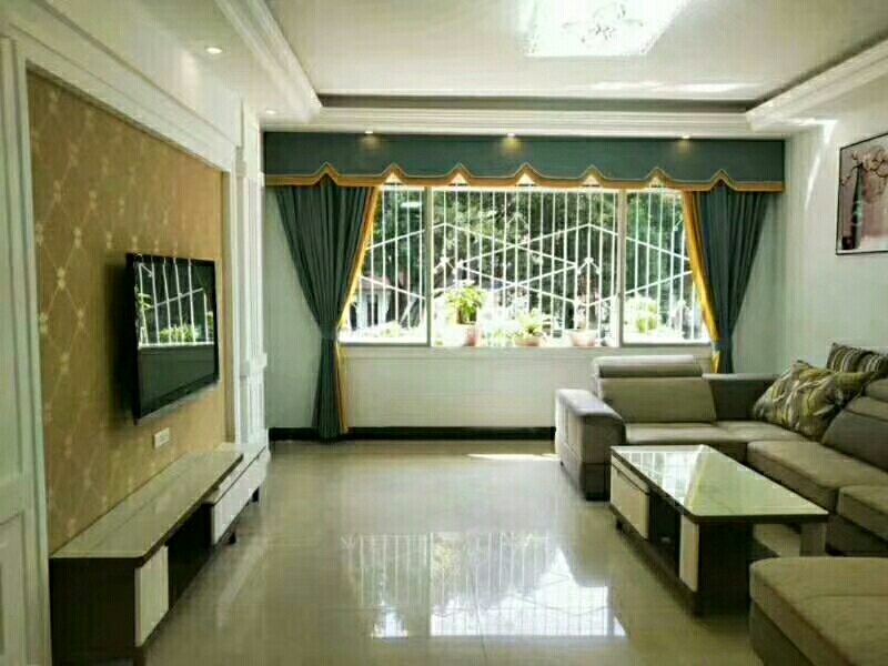 三转盘小区房4室 2厅 2卫56.8万元