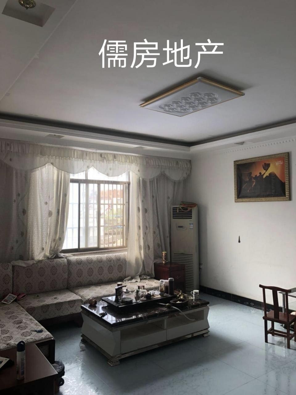 龙悦山庄3室 2厅 2卫70万元